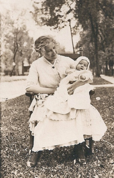 baby & caretaker
