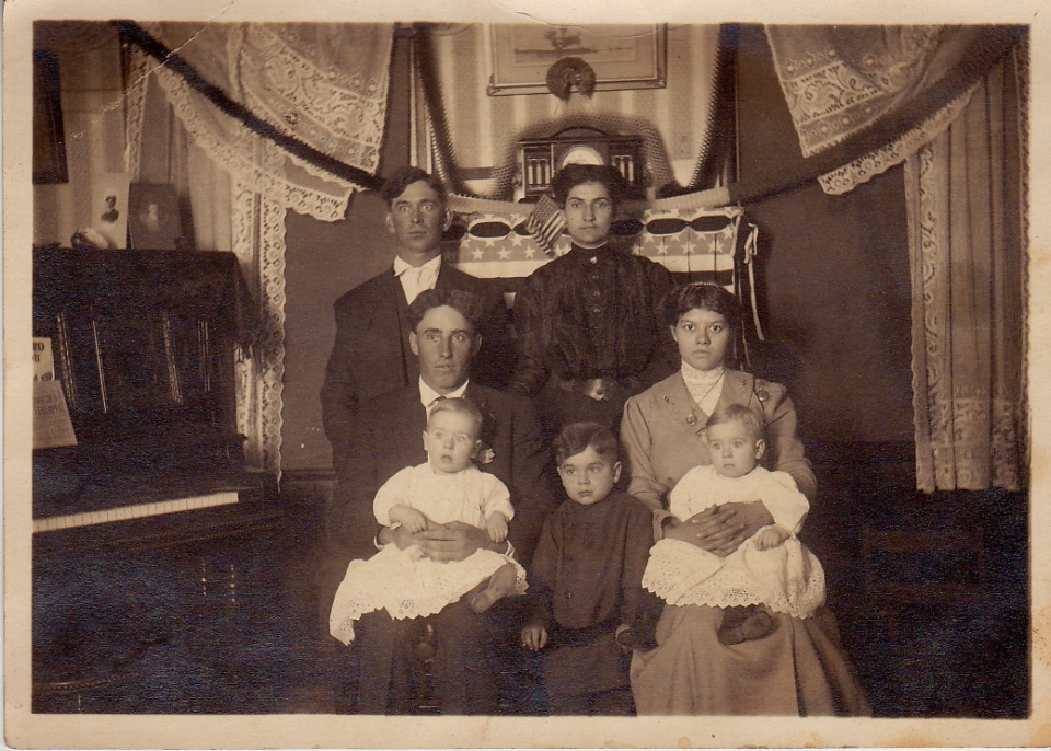 family group circa 1905