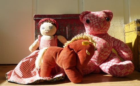 red cloth toys