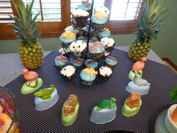 cupcakes and toys