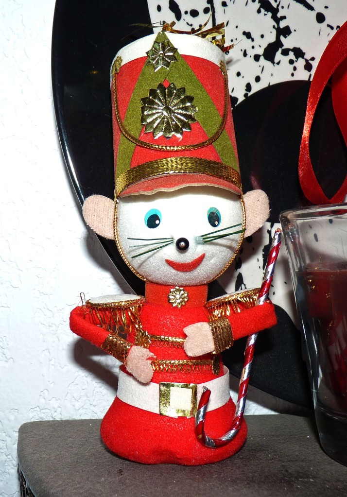 mouse soldier decoration