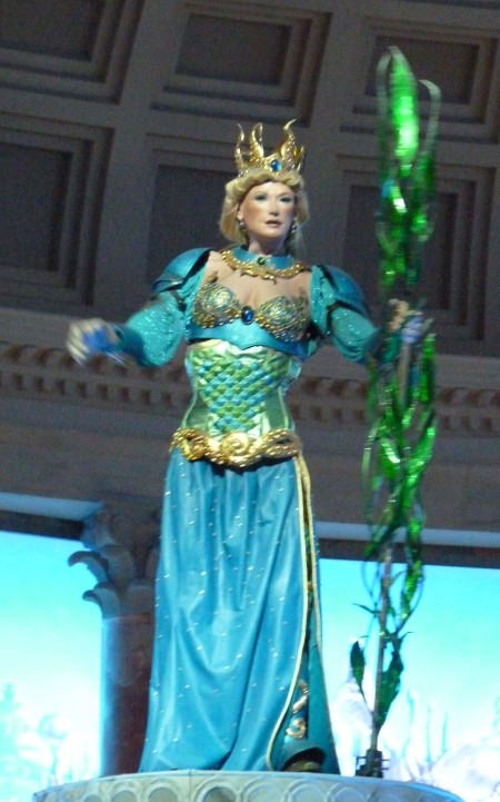 "Animatronic ""Greek goddess of ice"""