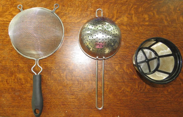 Wire sieve strainer, colander-type strainer, coffee maker strainer.