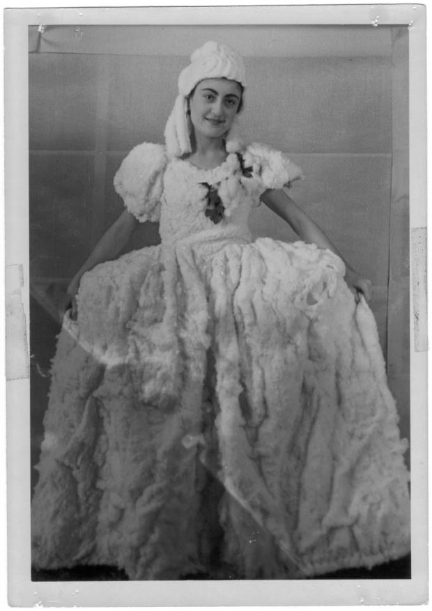 Amparo Rodriguez, in a dress of cotton.