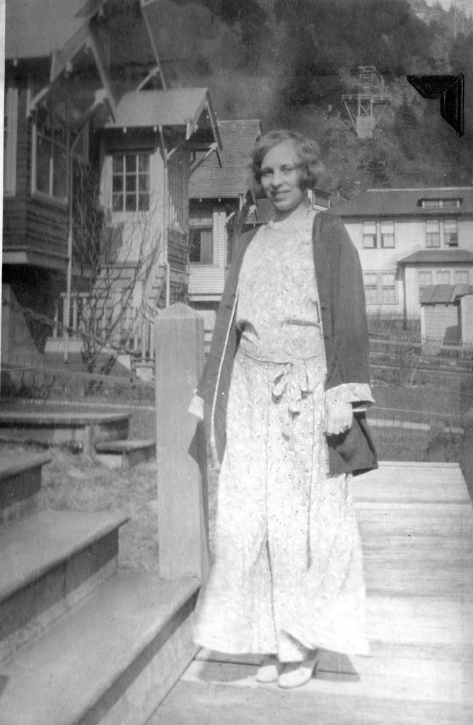 woman in cotton ensemble with kimono-style jacket, 1930s
